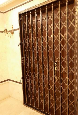 درب تاشو فلزی